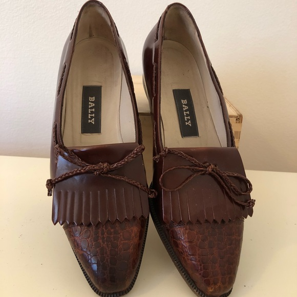 fb846bdc141 Bally women s 5 M loafers shoes brown Italy. Bally.  M 5b69fd471e2d2d44eb5c660d. M 5b69fd49f303695fcdf848d3.  M 5b69fd4b4cdc3038f73e3764